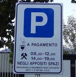Parcheggi-a-pagamento-mezza-marcia-indietro