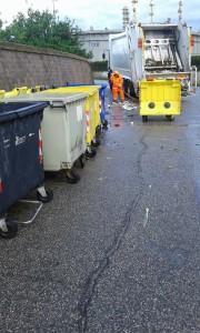 spazzatura alla raffineria UNO
