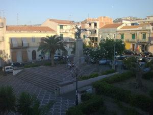 Monumento_ai_caduti_Piazza_VIttorio_Emanuele_III_Spadafora